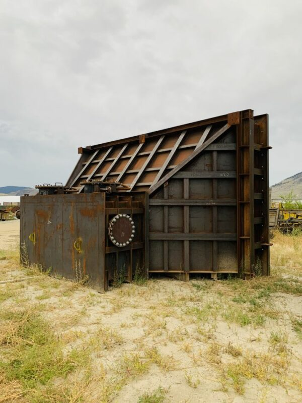13' x 22' Slurry Tanks with Tank Funnels